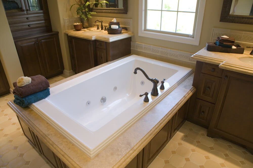 24 Master Bathrooms with Soaking Tubs in the Center | Master ...
