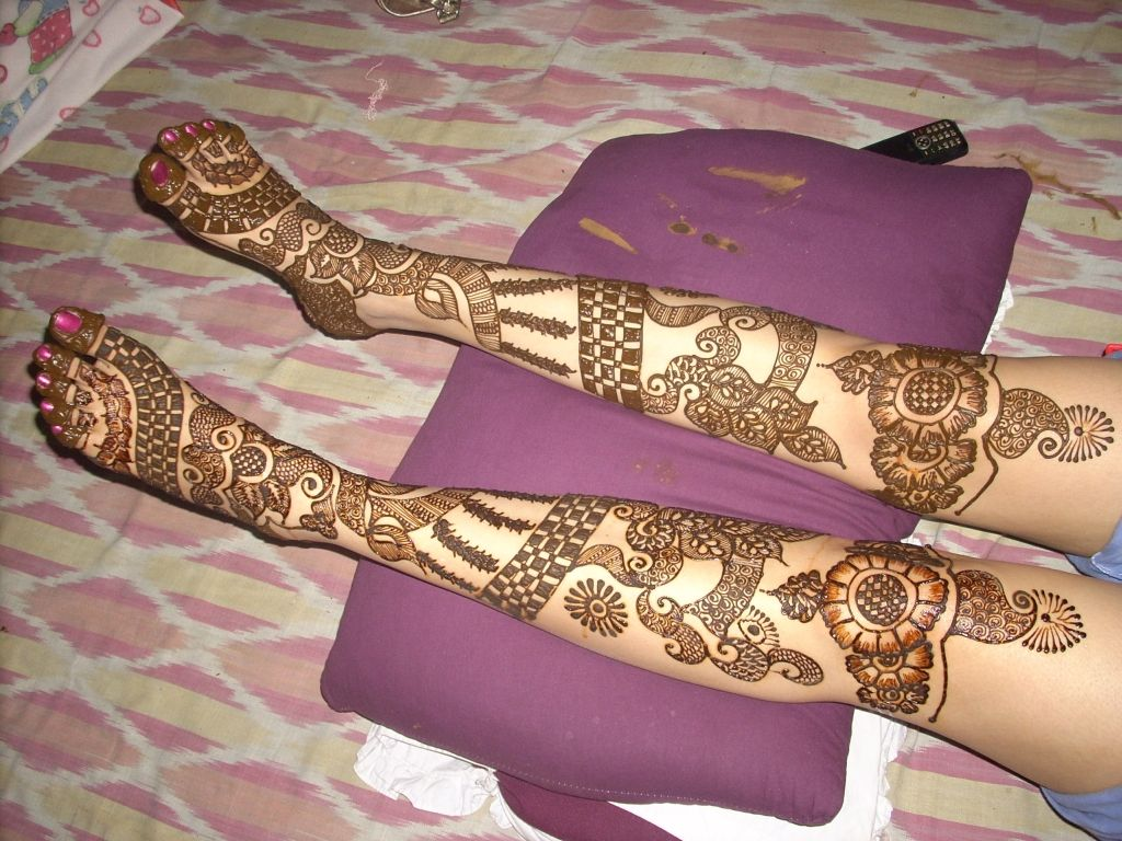 Mehndi Designs Open : Extensive leg mehndi design if you re going to have so much of