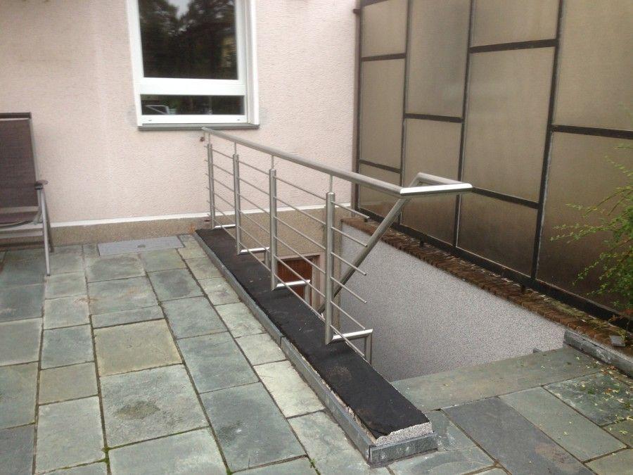 Kellerabgangsgelander Aus Edelstahl Mit Seitenbefestigung Bogetec Metallbau Gmbh Kellertreppe Keller Gelander Treppe