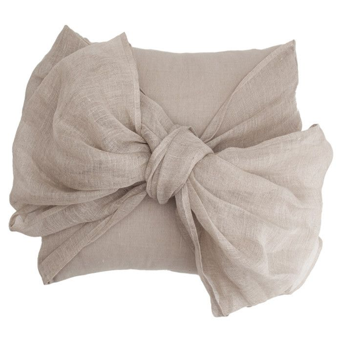 Simplicity Bow Pillow in Flax