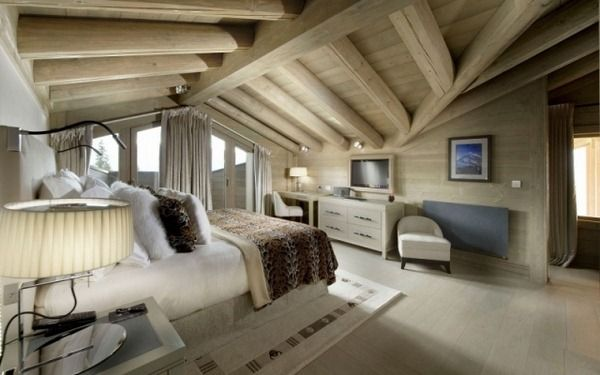 chalet panmah plafond en bois suites toits en pente projets essayer pinterest la. Black Bedroom Furniture Sets. Home Design Ideas