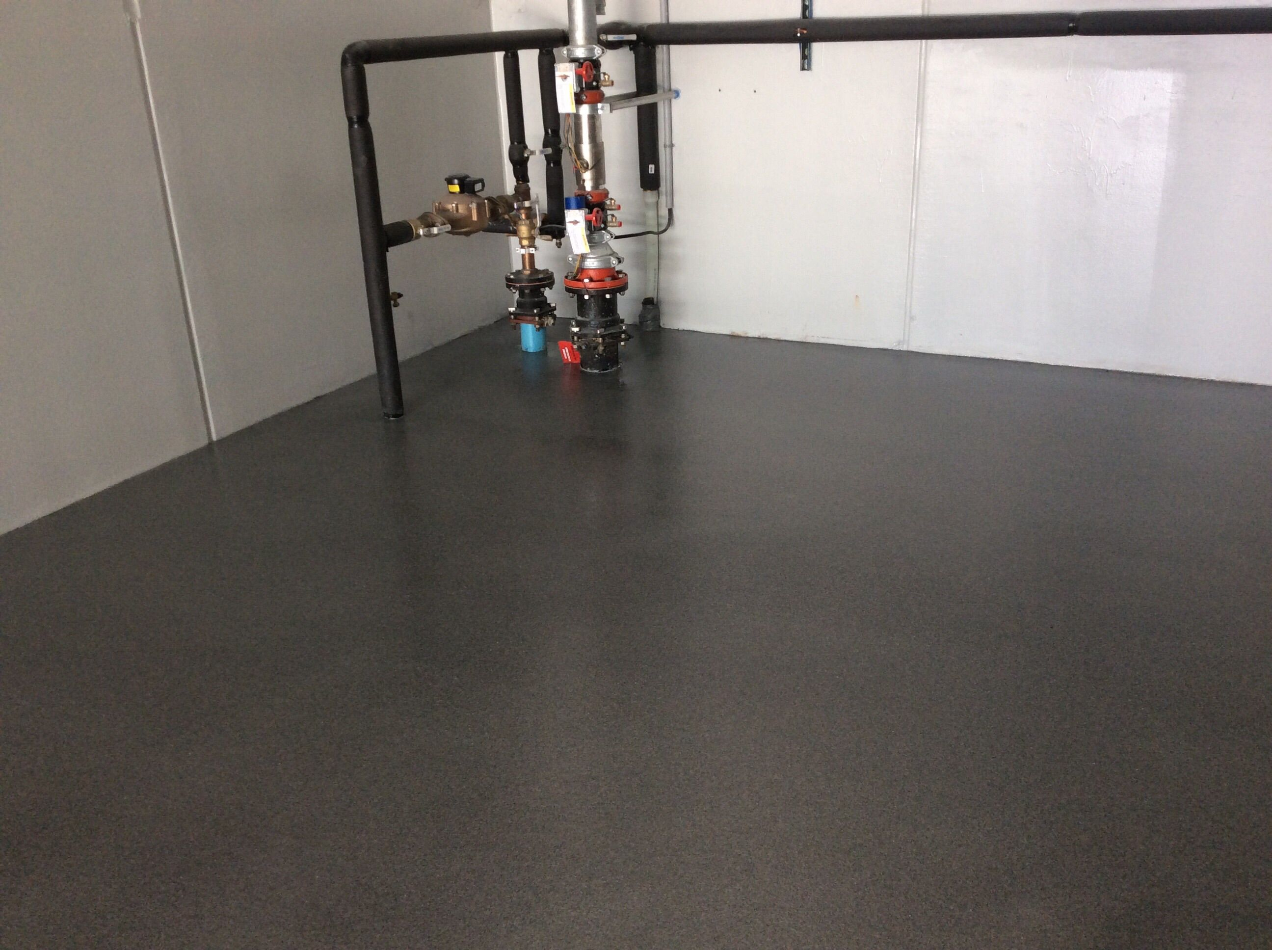 Ppg Megaseal Sl 100 Solids Epoxy With Ppg Amershield Urethane Topcoat Hp Spartacote Flint Quartz Cool House Designs Garage Floor Epoxy Garage Floor Coatings