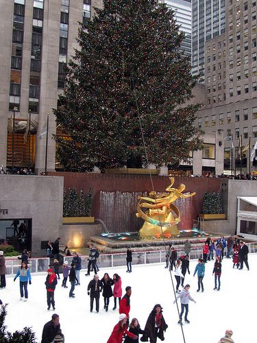 The Best Christmas Lights Around The World New York City Christmas Best Christmas Lights Nyc Christmas