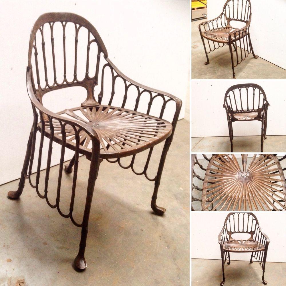 fauteuil de jardin decor bambou en fonte d'aluminium patine cacao .XX siècle .