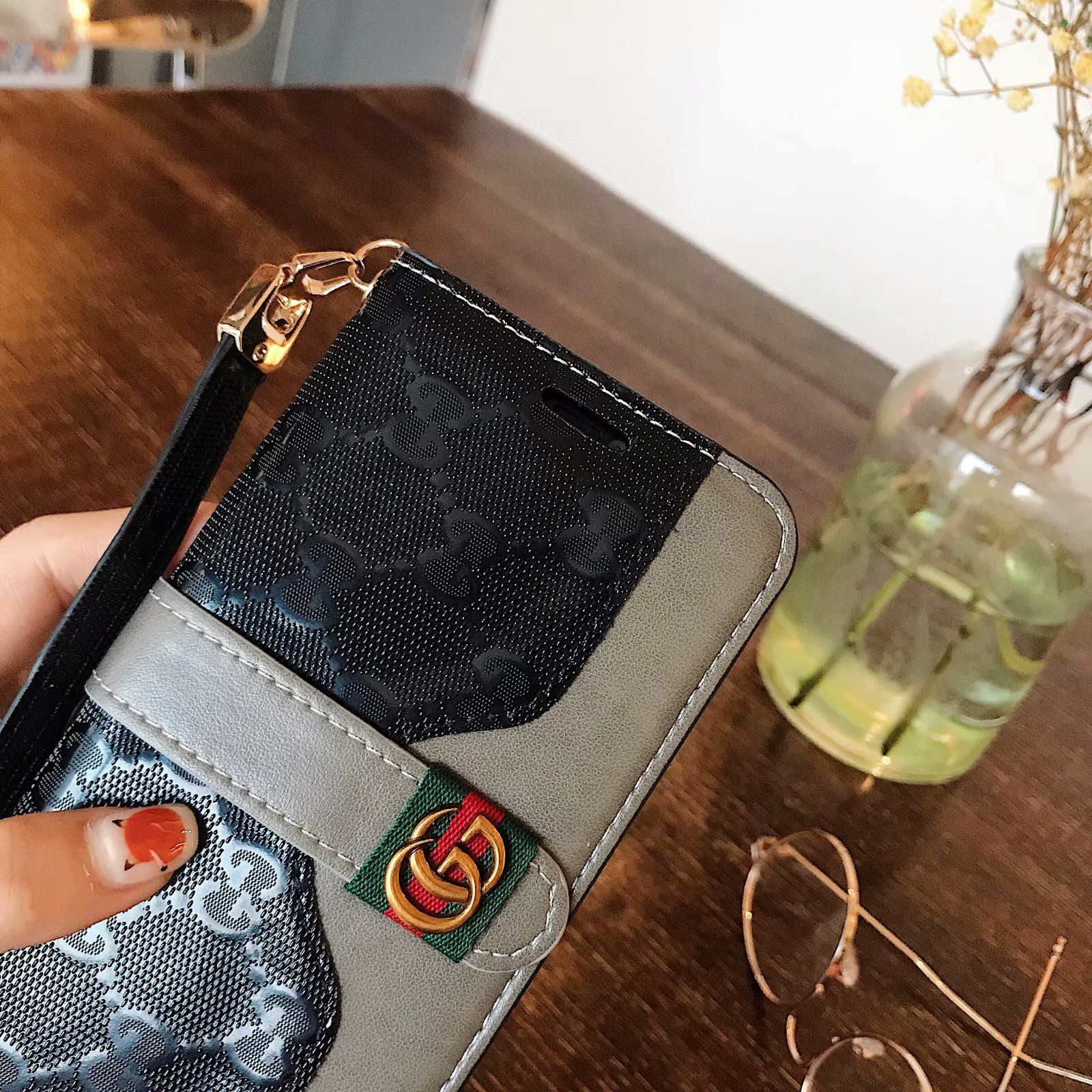 Luxury Gucci Wallet Case for iPhone XsMax/XR/XS/X/8/7/6S/6