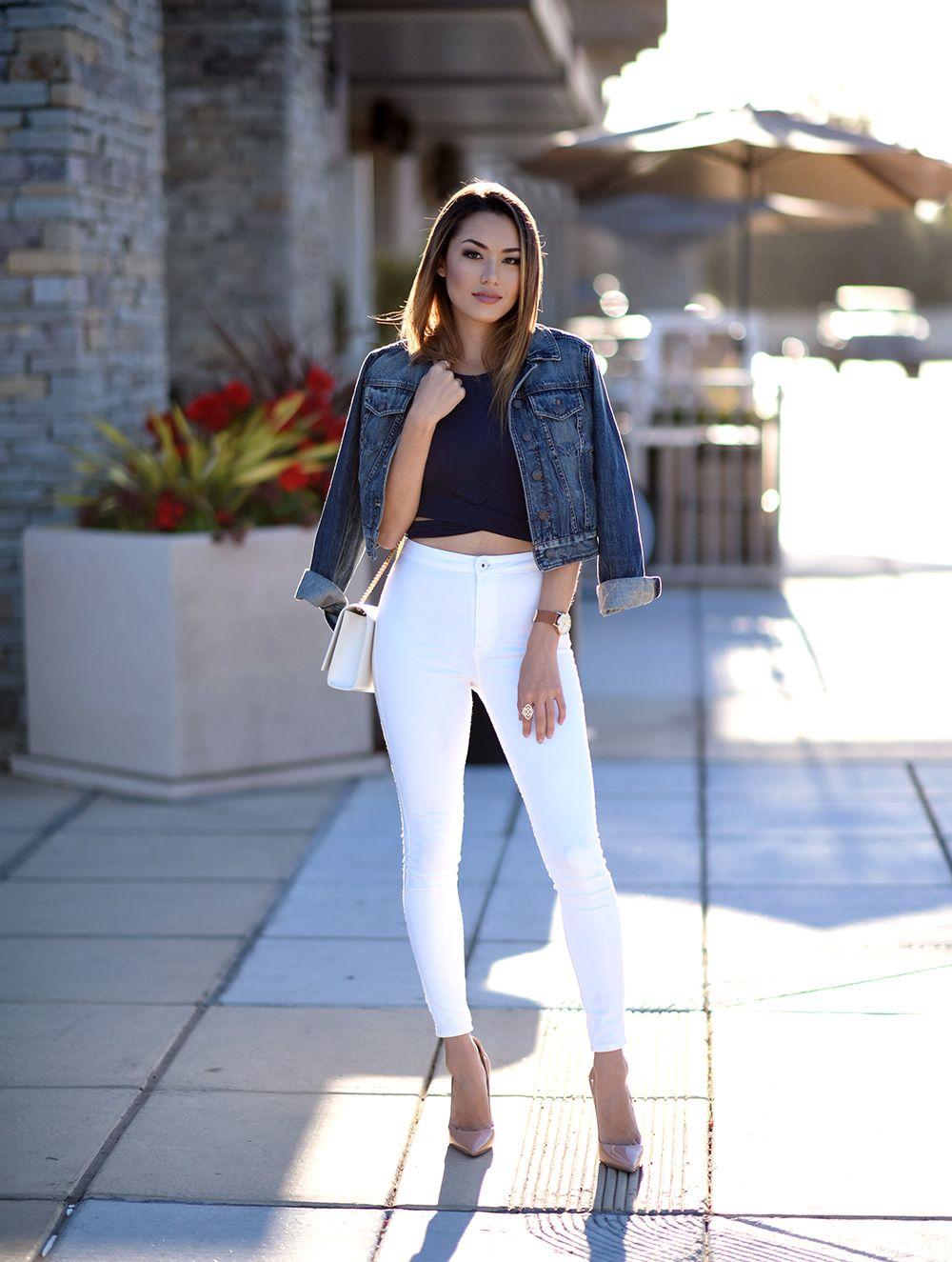 e26fec93 White jeans are an absolute summer essential! Try wearing a pair of high  waisted jeans