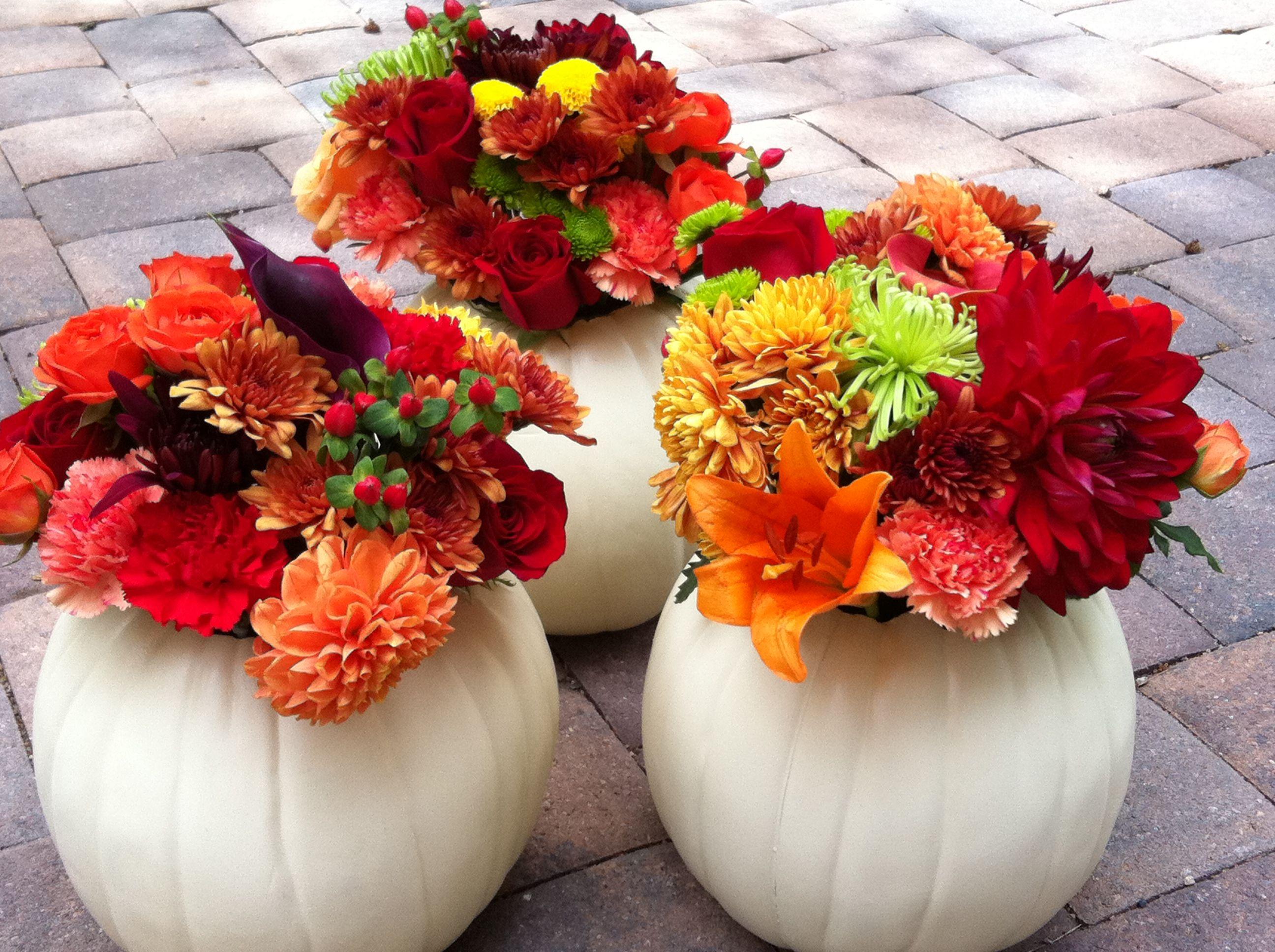 White pumpkin centerpiece, fall wedding, fall wedding decor, dahlias, billy balls, roses, fall wedding themed decor