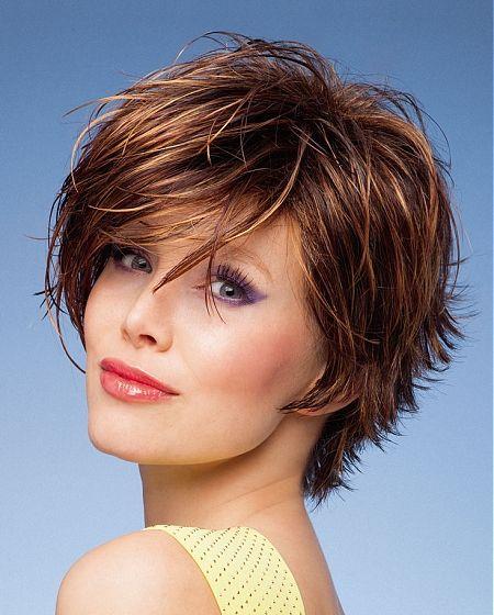 Coupe de cheveux courte pour femme coiffure pinterest cheveux courts cheveux courts pour - Coupe courte pour femme ronde ...