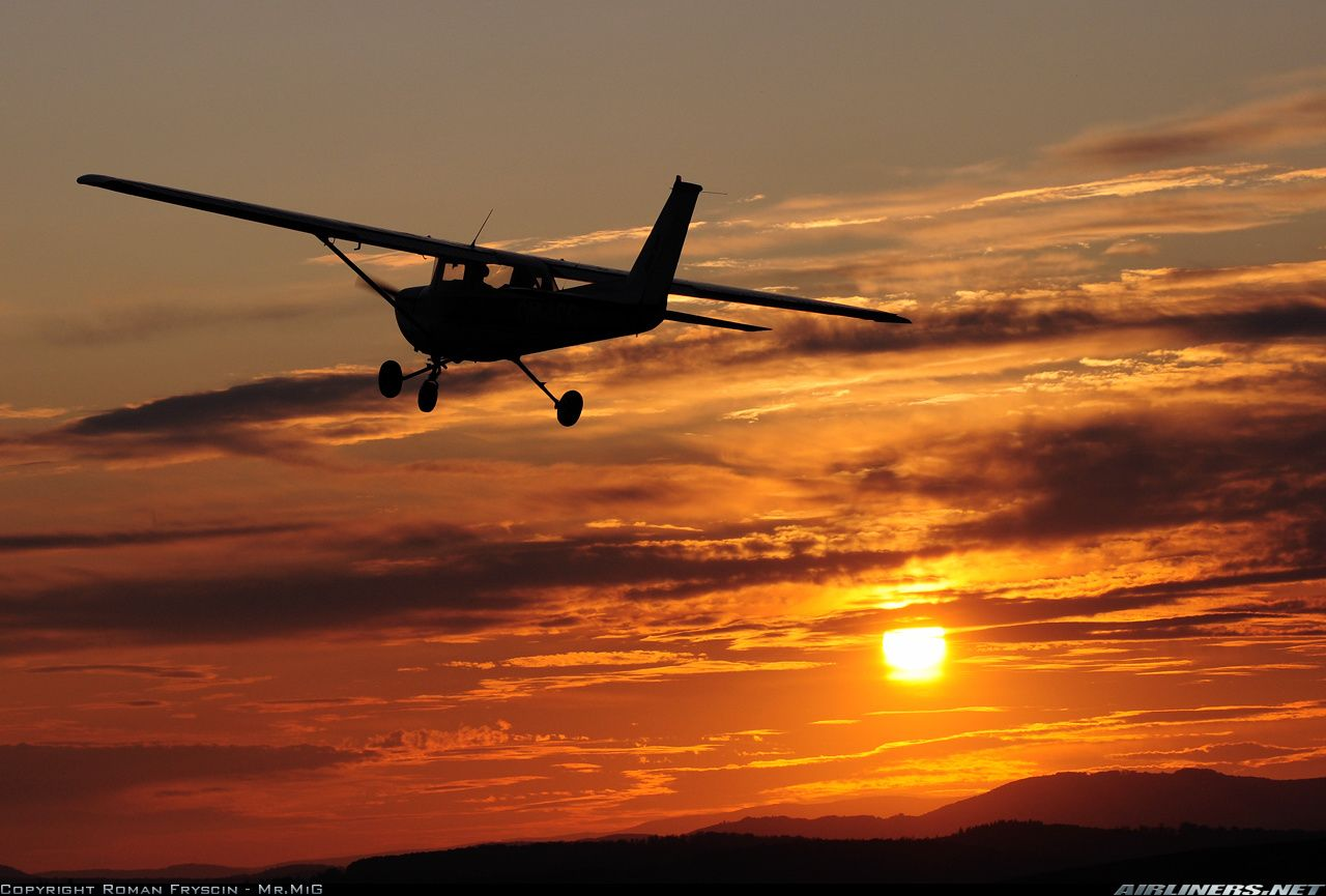 sunset cessna | Photos: Cessna 150M Aircraft Pictures | Airliners ...