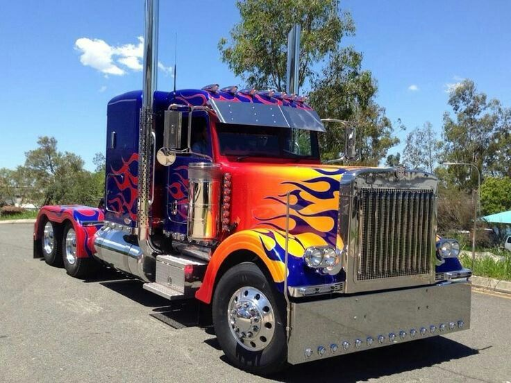 T1 - Optimus Prime (Peterbilt 362)
