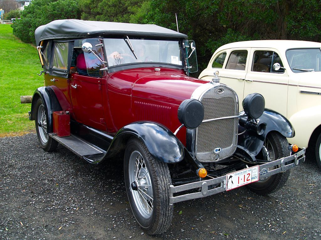 A beautiful vintage Ford in red! & Old+Vintage+Cars | Classic u0026 Vintage Cars on The Great Ocean Road ... markmcfarlin.com