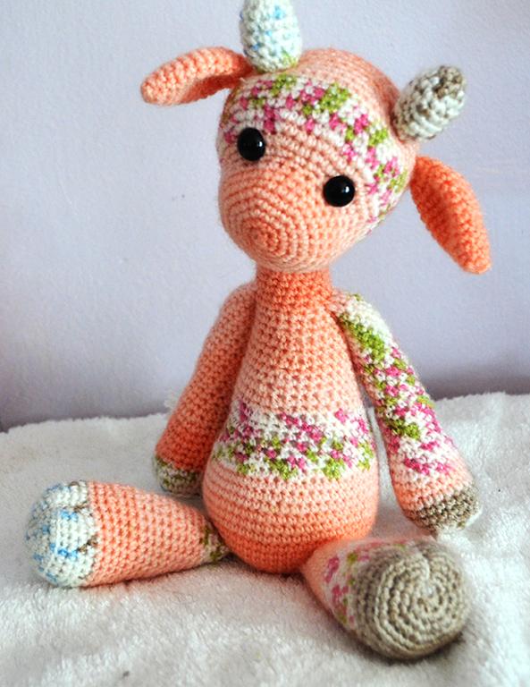 Amigurumi Giraffe Pattern Free : Emily the giraffe modification amigurumi