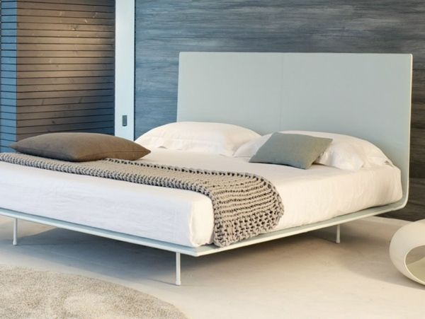 Baumwolle Decke minimalistisches weißes Bettgestell
