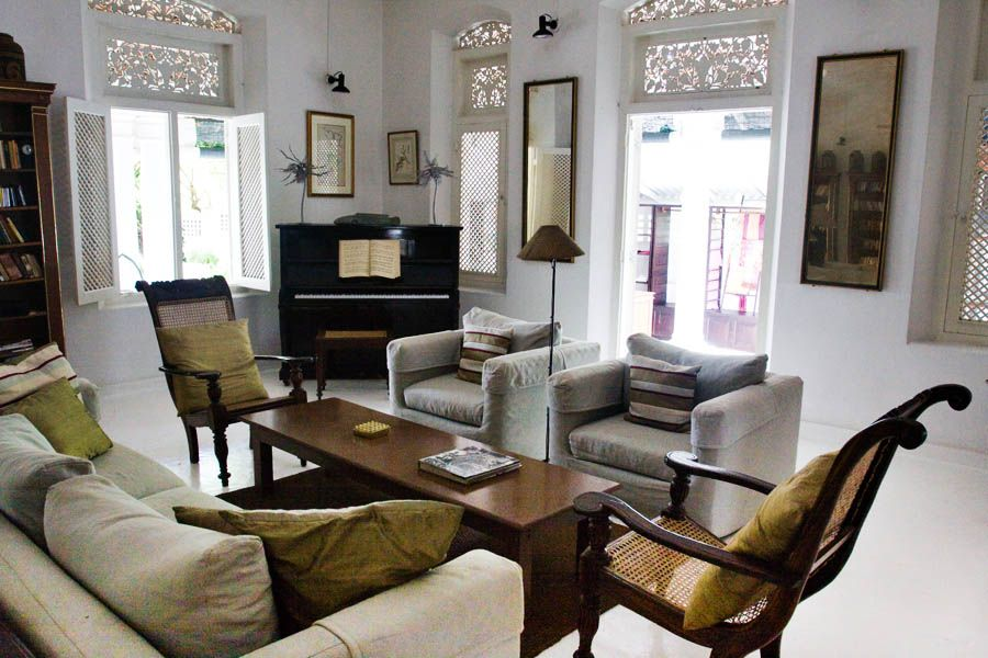 rattan chairs with slipcovered pieces | Sri Lanka Boutique Homes ...