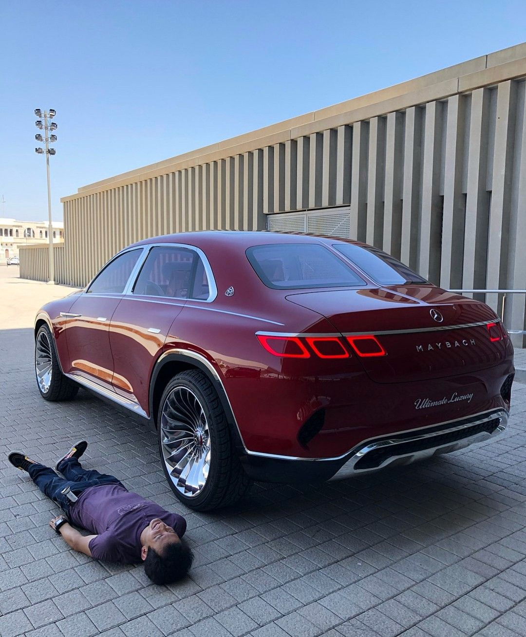 There So Many Cars With Diffrent Style Like Classic Sport And Luxury Cars From Diffrent Brands Like Bugatti Bentley Rang Rover Musta Bmw Mercedes Maybach Car