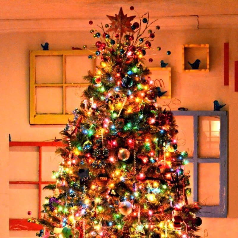 Christmas Led Light Strings Multi Color Christmas Tree With Coloured Lights Pretty Christmas Trees Christmas Tree Colored Lights