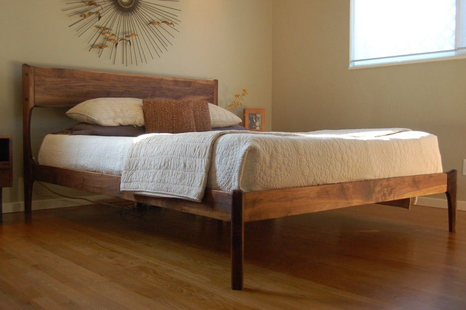 Natural Polished Teak Wood Mid Century Queen Sized Bed Frame With