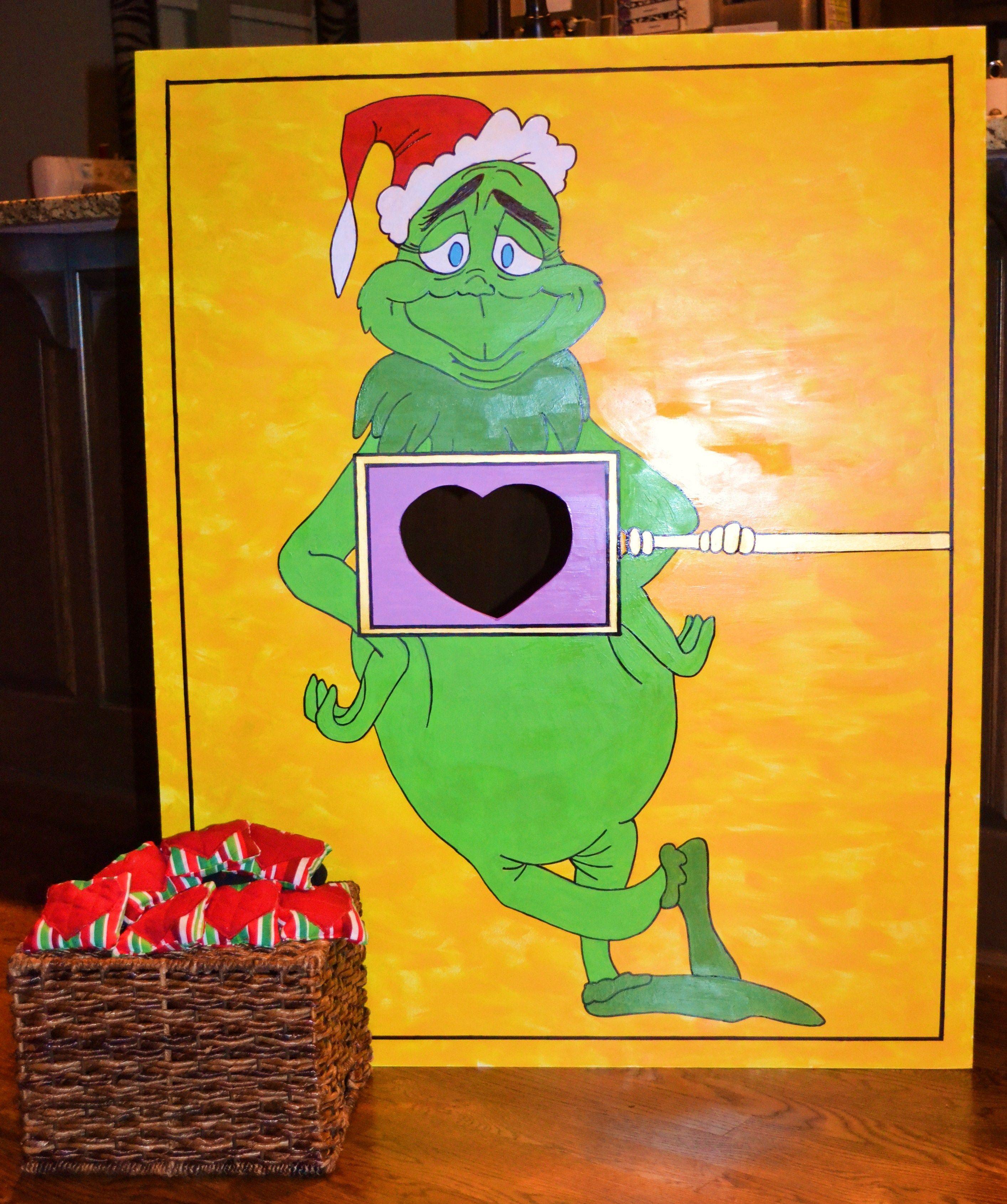 The Grinch Heart Bean Bag Toss