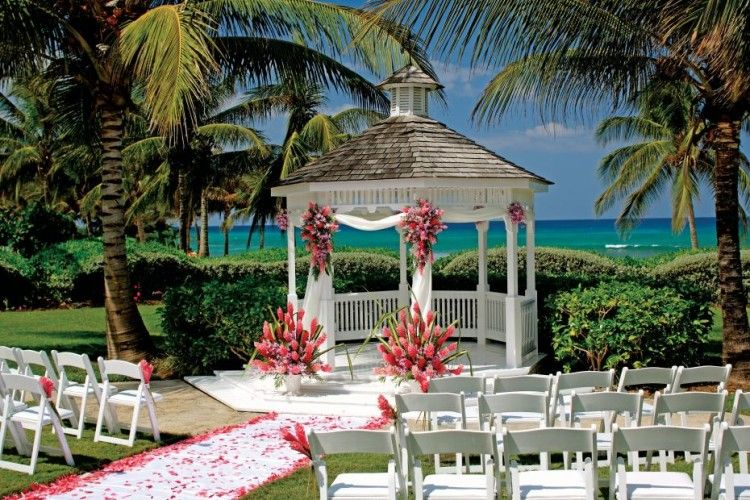 Gazebo decorating styles for gazebos loving people pergolas gazebo decorating styles for gazebos loving people pergola gazebos shared via slingpic junglespirit Image collections