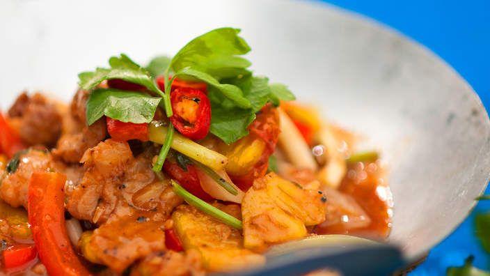 Stir-fried pork neck with pineapple and vegetables (muc xao khom) #recipe #LukeNguyen #SBSFood