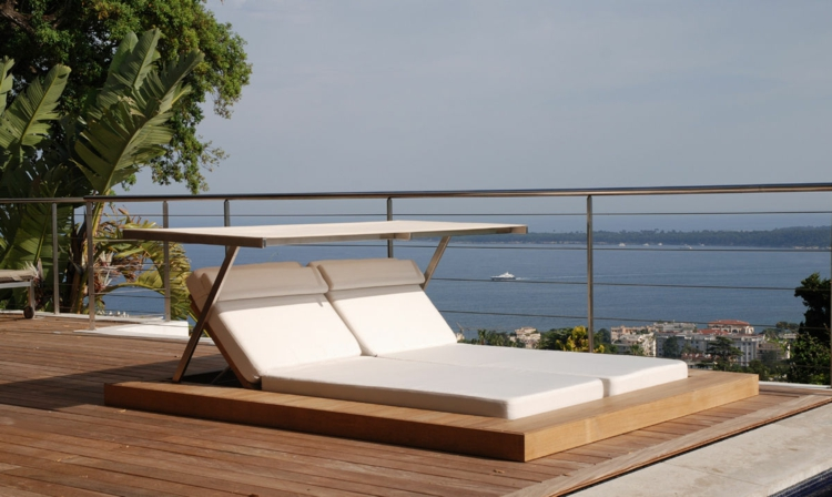 Das Outdoor Bett Nutzliche Tipps Zur Planung Tolle Designideen Doppelliege Gartenliege Und Gepolsterte Liege
