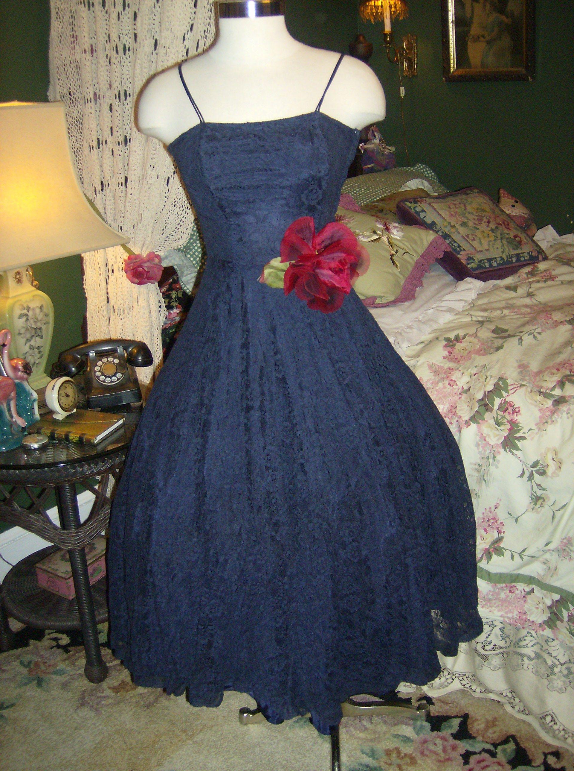 Navy lace 50's dress from sylviarosevintage / ebay