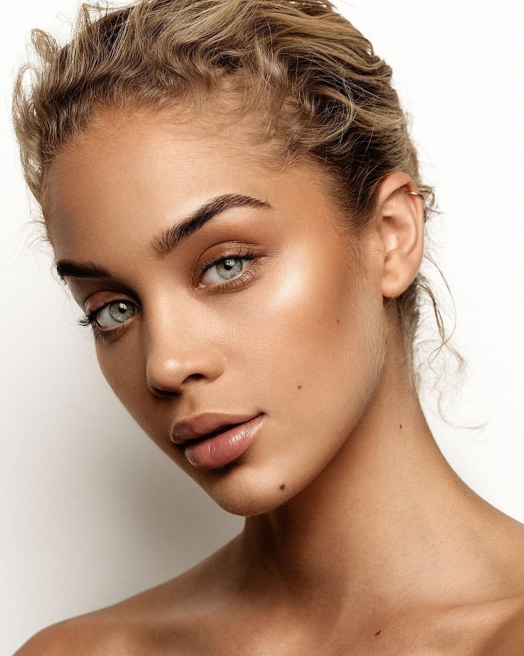Skin Care Model: This Is The EXACT Beauty Routine Jasmine Sanders Uses To