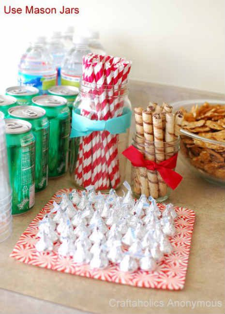 Easy DIY Holiday Party Decorations (from BlogHer\u0027s Holiday Parties