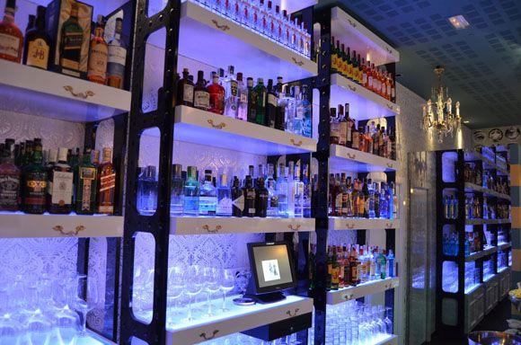 Vintage chic blog decoraci n vintage diy ideas para - Decoracion de bares de copas ...