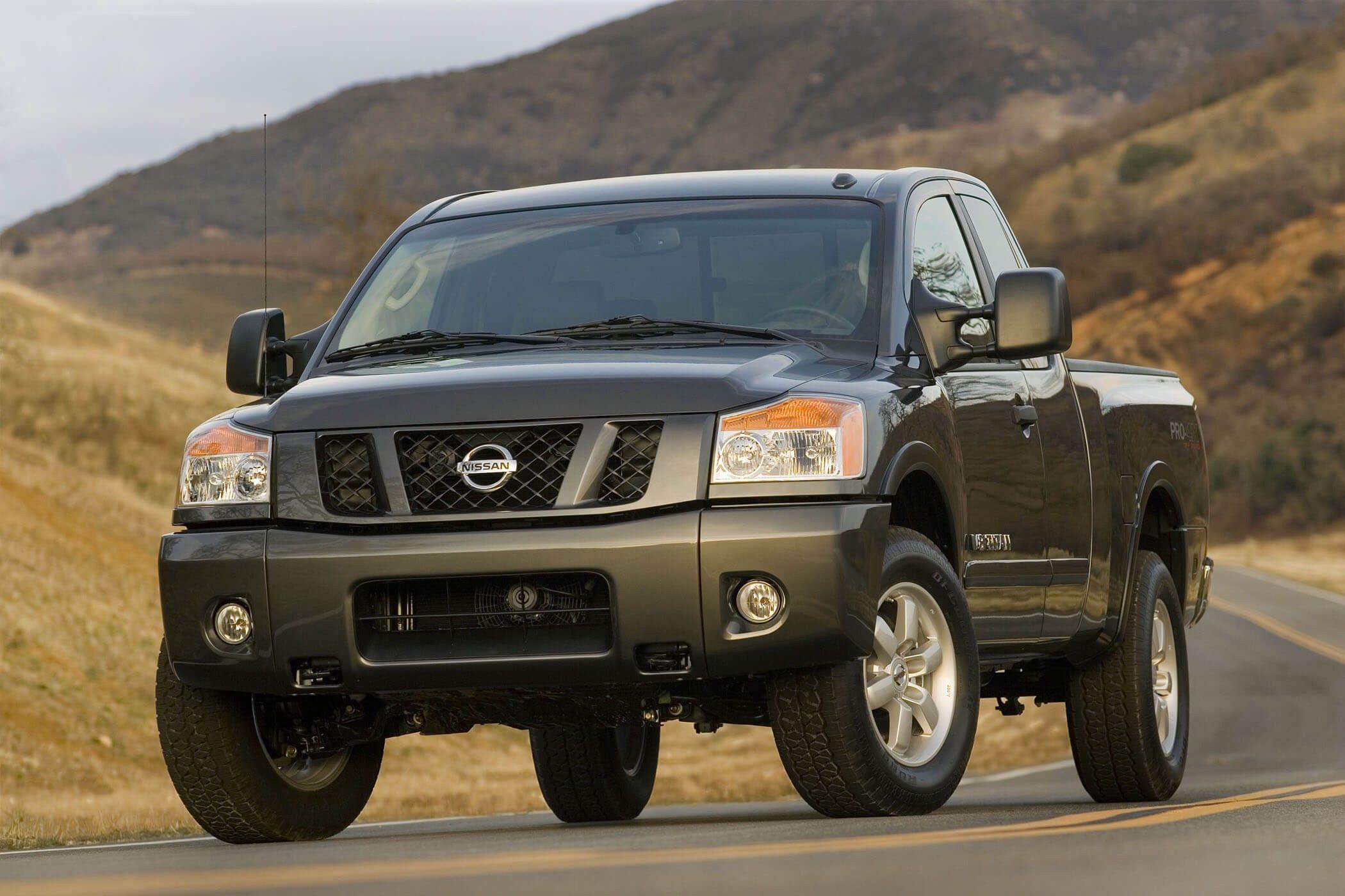 Nissans Titan Pro4X 4*4 Built For Workhorse Duty Cars