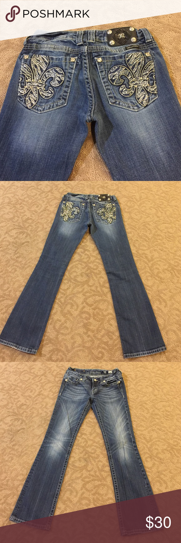 Miss Me Bootcut Jeans 👖 size 28! Miss Me Bootcut Jeans 👖 size 28! Beautiful embellished pockets! Miss Me Jeans Boot Cut