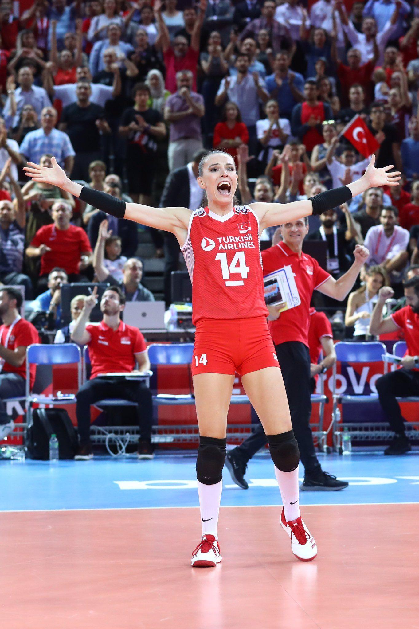 Voleybol Gunlugu On Twitter Women Volleyball Sport Girl Volleyball