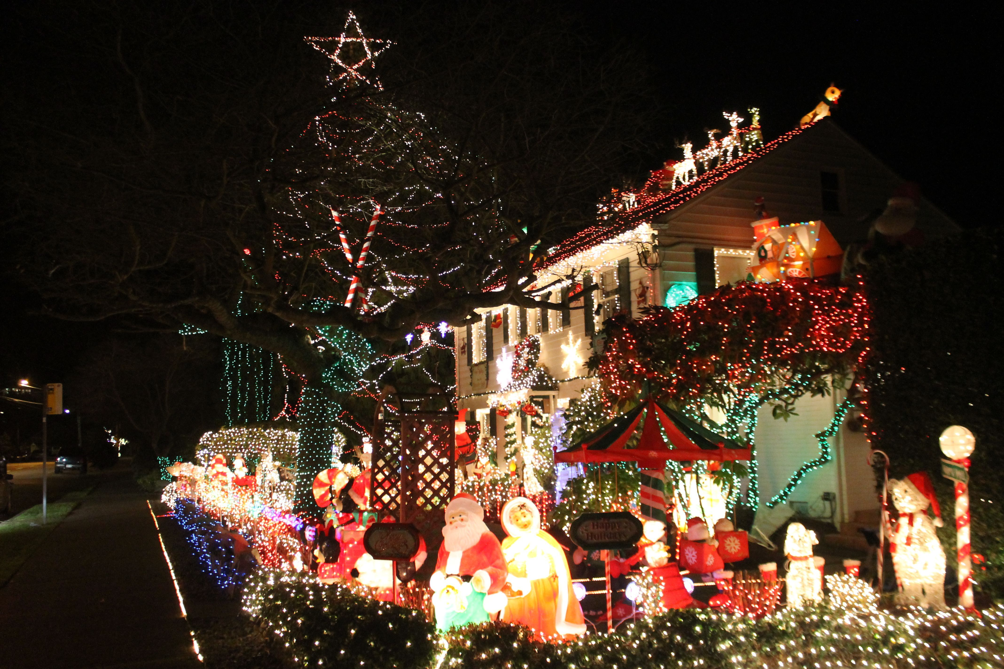 Menashe Family Lights 5600 Block Of Beach Drive Sw West