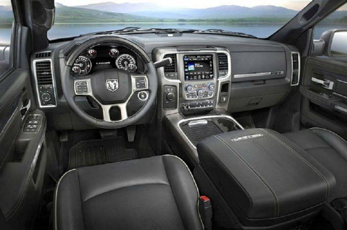2017 Dodge Ram 3500 Interior Design