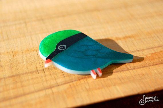 KLAUS l'oiseau - broche en plastique rétractable sur Etsy, 16,00€
