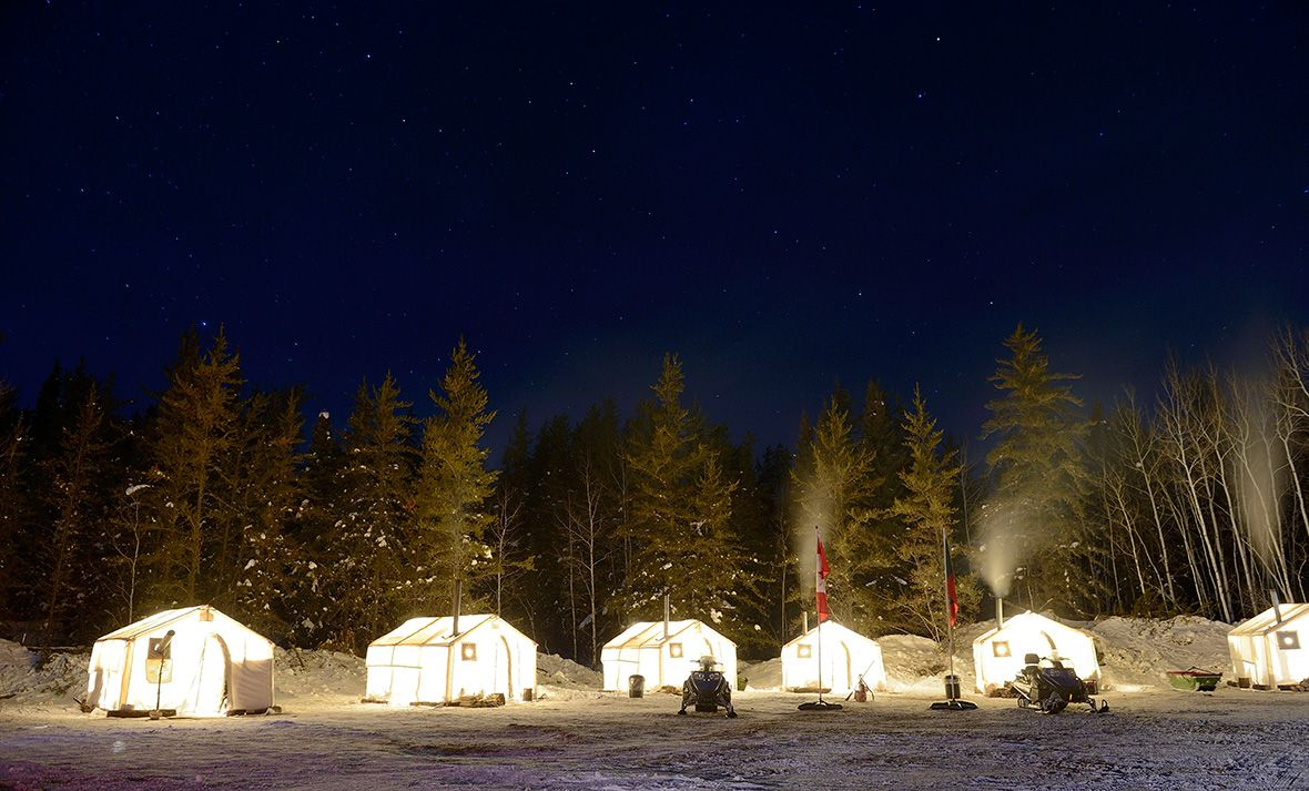 The Canadian Forces Rangers set up wall tents in Pickle Lake Township Ontario during Exercise TRILLIUM & The Canadian Forces Rangers set up wall tents in Pickle Lake ...