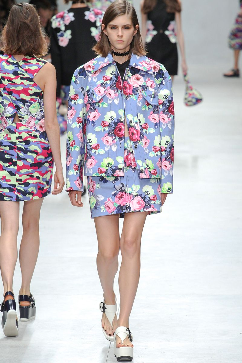 Look 5 Carven Spring 2014 #PFW #floral #print #boxy