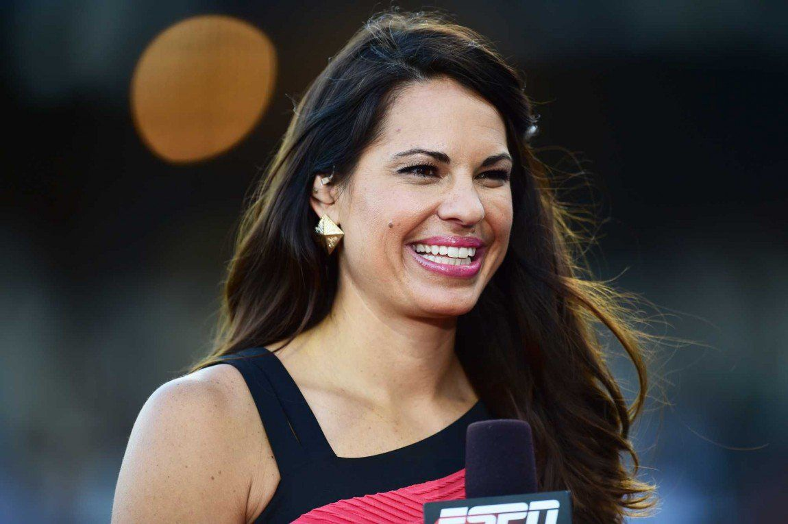 Jessica Mendoza Slays As First Woman To Broadcast Nationally Televised Mlb Game Jessica Mendoza Baseball Playoffs Famous Speeches