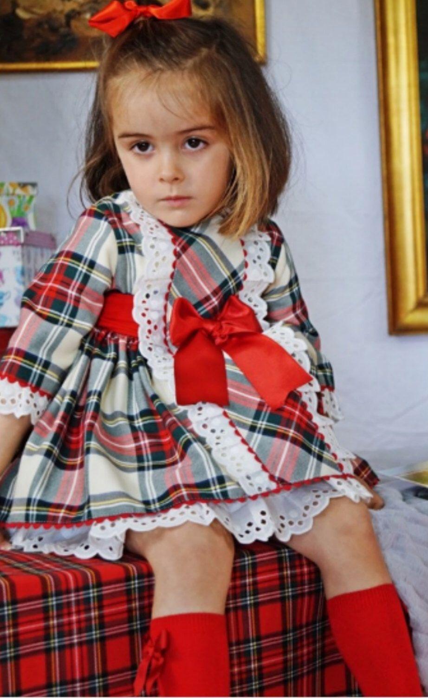 0e0dbf95b146 Pin by Veronica C on Vestidos de niñas   Girls christmas dresses ...