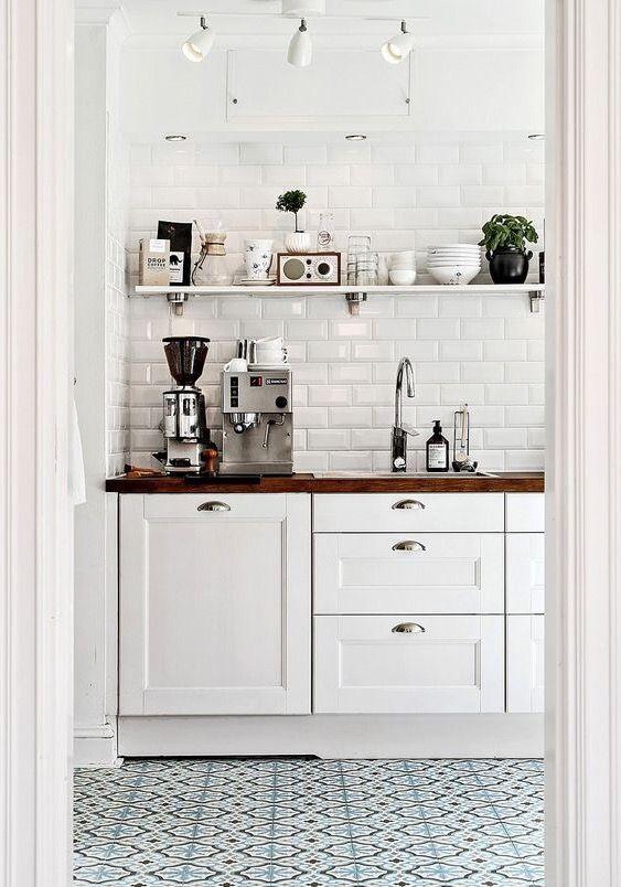 Pretty Blue And White Tile In Kitchen Home Kitchens Kitchen Flooring Kitchen Decor