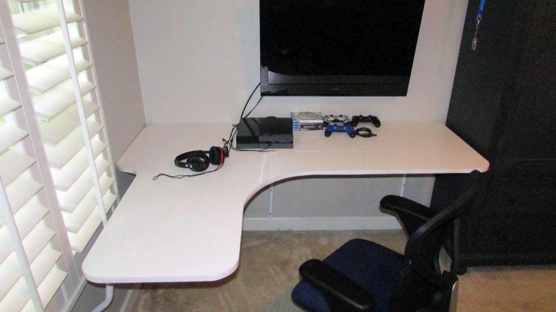 Suitable Floating Desk Dimensions That Look Beautiful Floating Corner Desk Diy Corner Desk