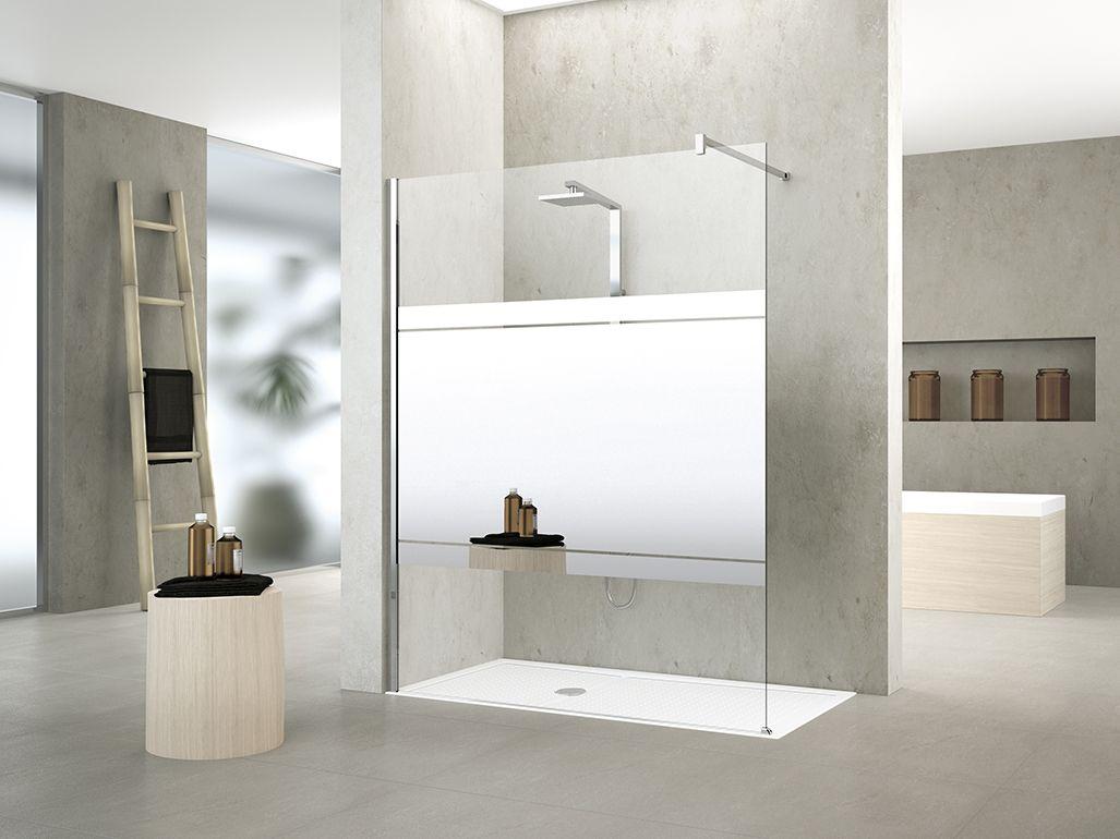 Glazen douchewand van Novellini met spiegelglas voor een