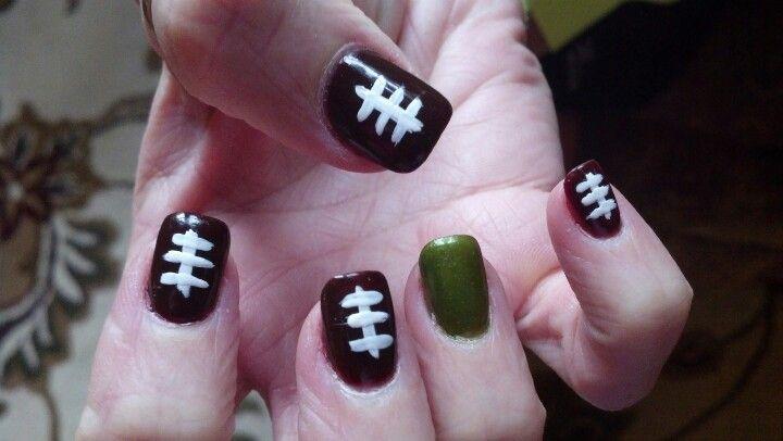 Football Superbowl nails done by nail artist Janay.