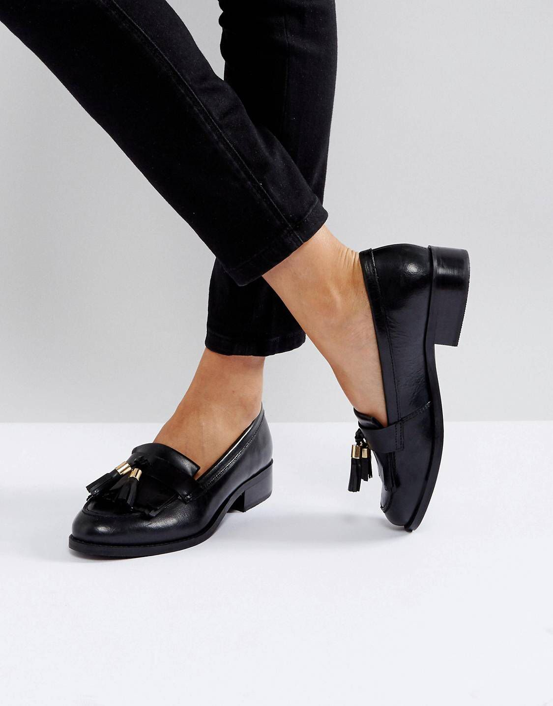 7b97a4e284501 Carvela Leather Tassel Loafer in 2019 | Le Style | Shoes, Block heel ...