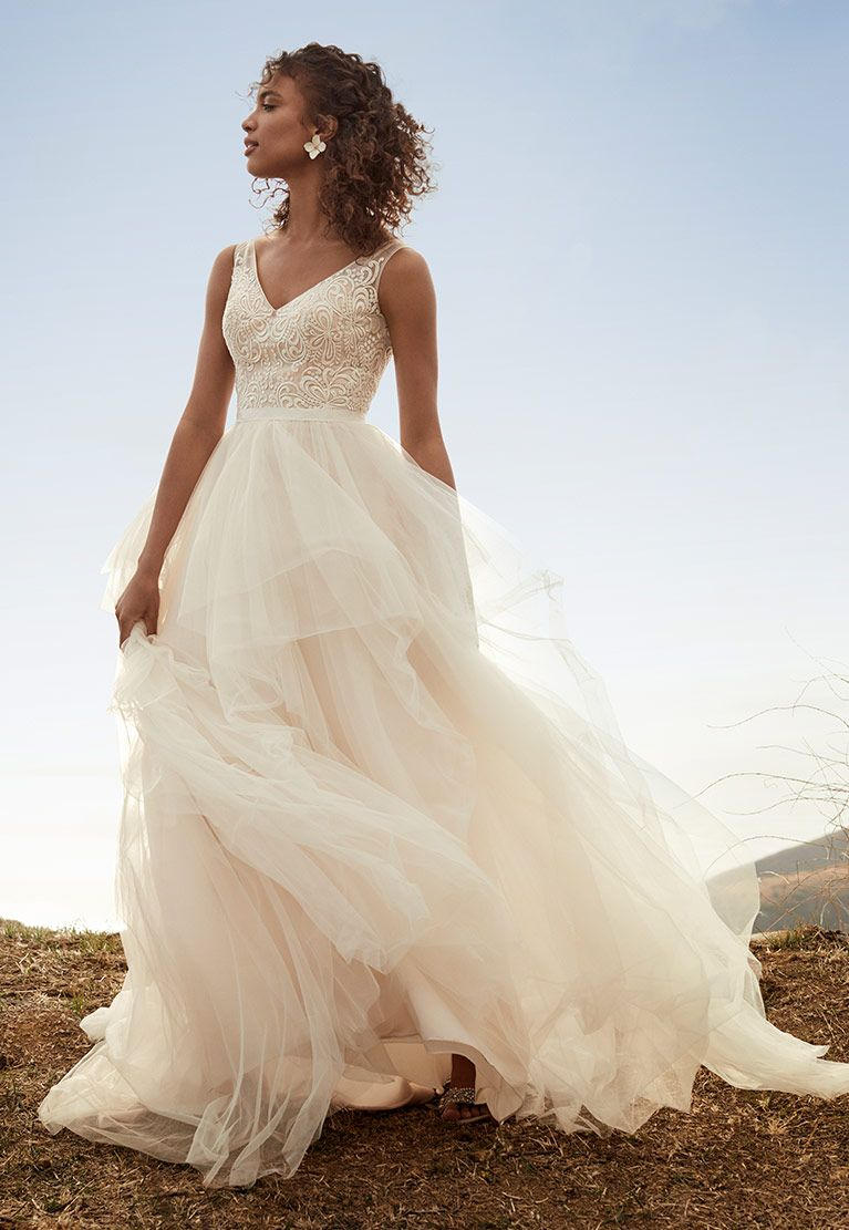 An Easy To Move In Style Is A Must Have For Many Brides The Galina Collection Features Graceful Ball Go Ball Gown Wedding Dress Cheap Wedding Dress Ball Gowns [ 1111 x 767 Pixel ]