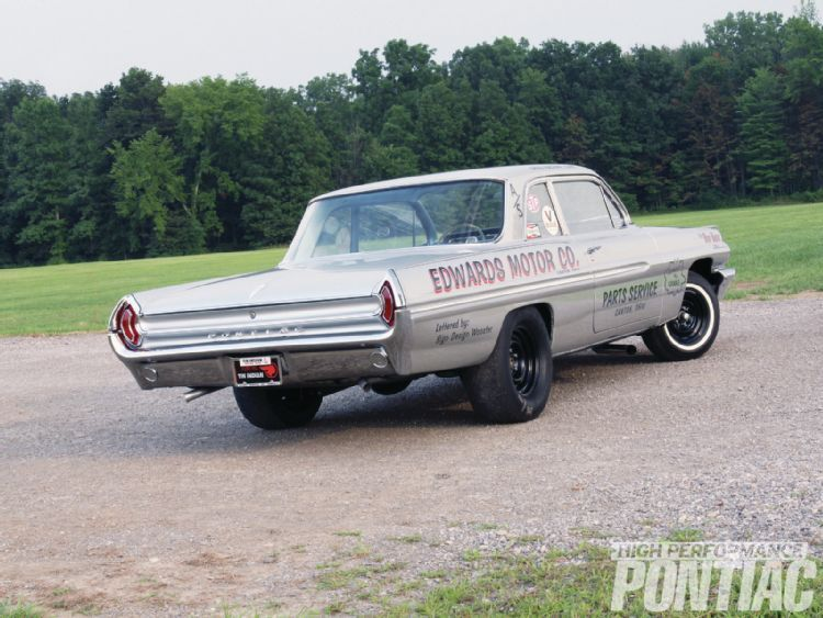 1962 Lightweight Pontiac 421 Super-Duty Catalina..This car has a pretty interesting story. Originally built in Pontiac Engineering, it had all of the b…