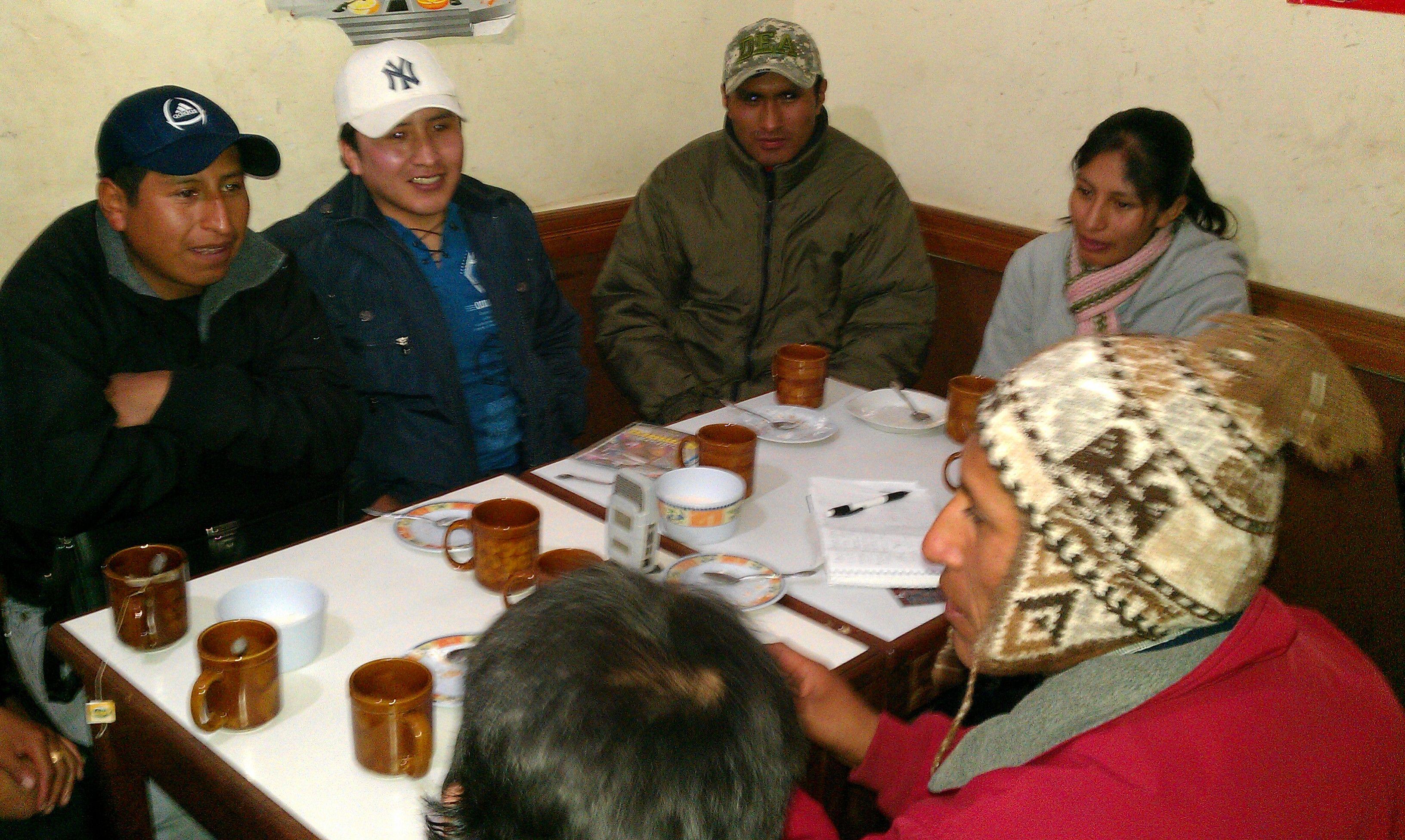 De vergadering van Jaqi Aru in El Alto (Foto Peter Teffer) dat de taal Aymara wil behouden en ontwikkelen.