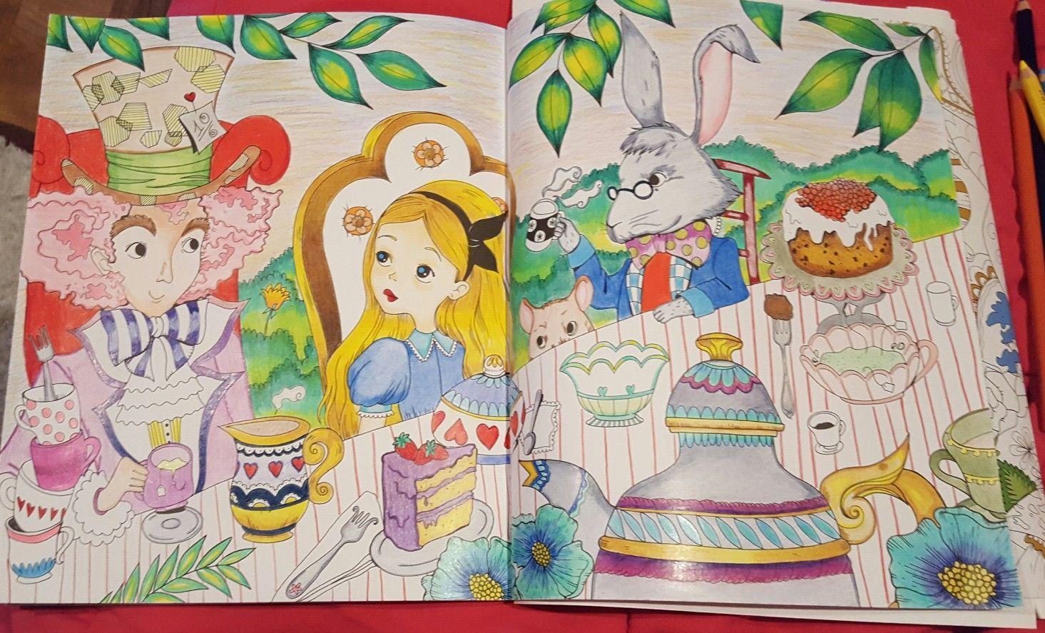 Alice In Wonderland By Fabiana Attanasio Alice Alice No Pais Das Maravilhas Livro De Colorir [ 887 x 1465 Pixel ]