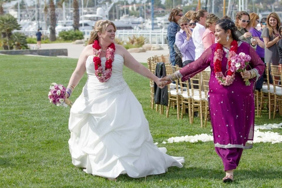 These Two Brides Combined Indian And Irish Traditions For The ...