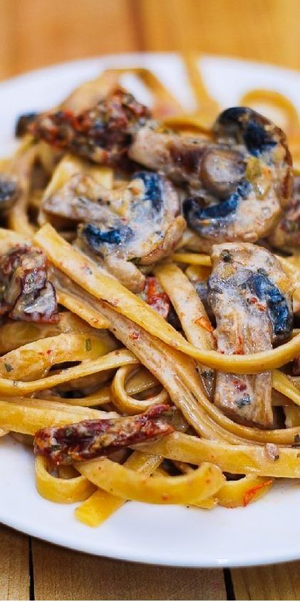 Sun-Dried Tomato And Mushroom Pasta In A Garlic And Basil Sauce This delicious Pasta Recipes is a hunger keeper! Yum! | Pasta Sauce | Pasta Recipes Healthy | Pasta | Pasta Recipes | Pasta Salad | Pasta Dishes | Pasta Salad Recipes | Pasta Recipes Easy